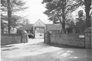 Aldwick Place, entrance to The Stable Block from Fish Lane 1947
